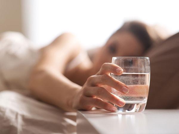 Thói quen khi uống nước giúp phòng ngừa bệnh tim mạch và tai biến