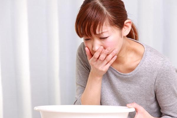 Buồn nôn là dấu hiệu của bệnh đau dạ dày