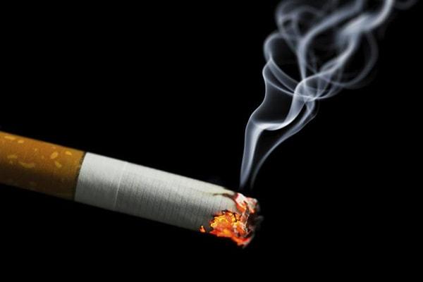 Thuốc lá là nguyên nhân của bệnh đau dạ dày