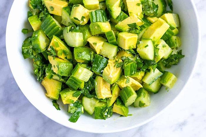 Bạn nên làm salad bơ để tránh tăng cân