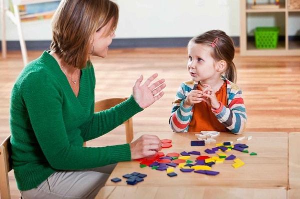 Kỹ năng giao tiếp với trẻ vô cùng quan trọng trong ngành sư phạm mầm non