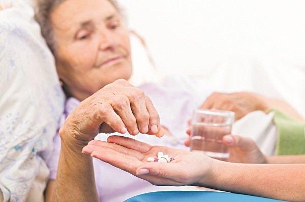 Triệu chứng và cách điều trị bệnh hoang tưởng ở người già 3