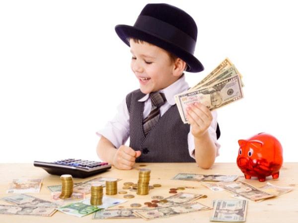 Dạy con biết tiết kiệm tiền và tiêu tiền đúng cách như thế nào?