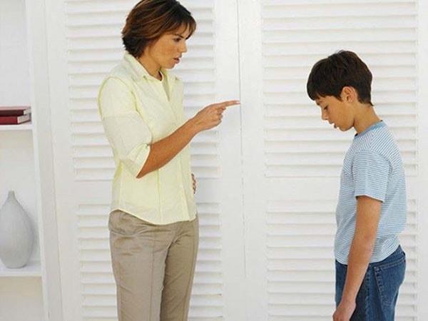 Làm thế nào kiểm soát tính ương bướng của con ở độ tuổi dậy thì?