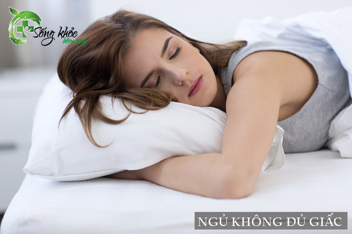 Ngủ không đủ giấc sẽ gây thèm ăn và dẫn đến béo bụng