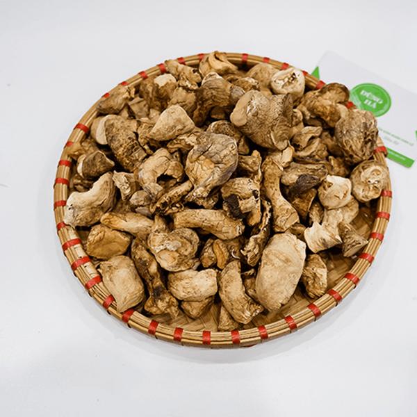 Chân nấm hương được đánh giá cao bởi hương vị thơm ngon và nhiều lợi ích đa dạng cho sức khỏe.